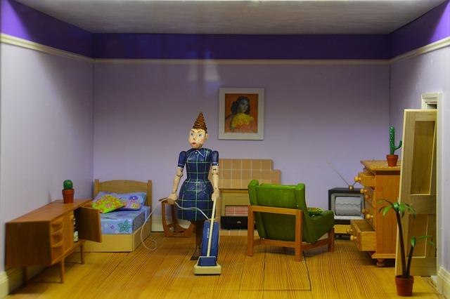 doll-house-1473995_640