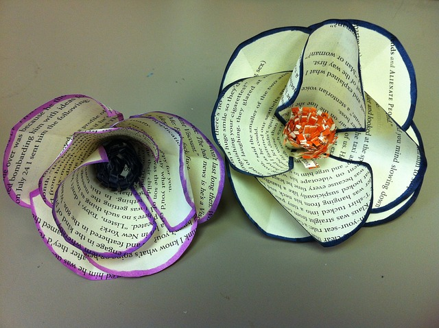 paper-flowers-655387_640