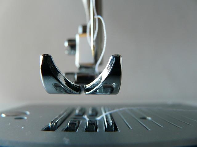 sewing-machine-315382_640