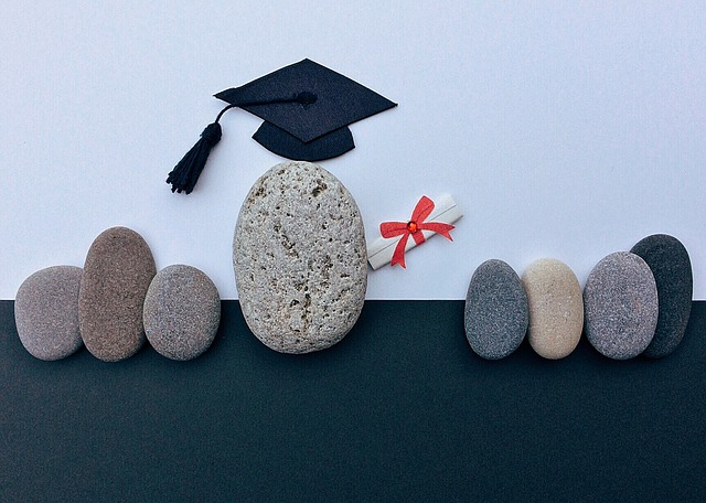 graduation-1449488_640