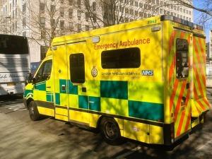 ambulance-1665303_640