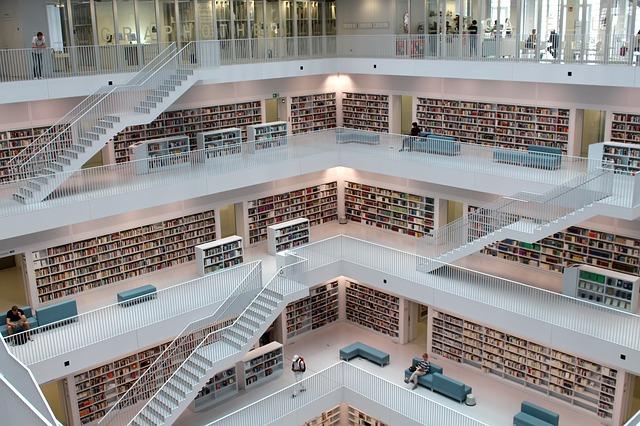 library-1700581_640 (1).jpg
